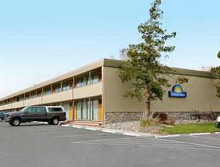 Days Inn by Wyndham Reno South