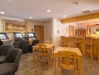 Ramada by Wyndham Summerset Rapid City West