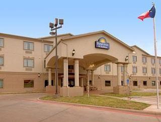 Days Inn & Suites by Wyndham Wichita Falls