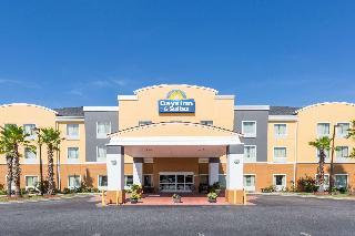 Days Inn and Suites Port Wentworth-North Savannah