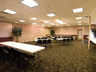 Lamplighter Inn & Suites - South