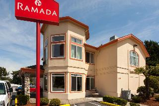Ramada by Wyndham SeaTac Airport North