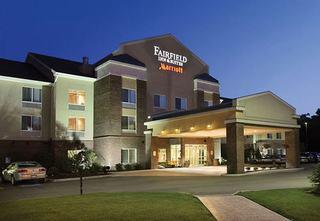 韋爾頓費爾菲得套房酒店