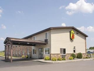 Super 8 by Wyndham Superior WI