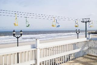 Boardwalk Seaport Inn