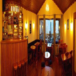 Viajes Ibiza - Haus am Berg