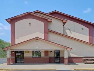 Super 8 by Wyndham Waynesburg