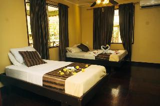 Hotel Overbridge River Resort