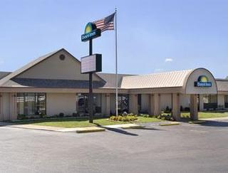 Days Inn by Wyndham Grove City Columbus South