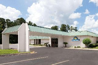 Days Inn by Wyndham McComb MS