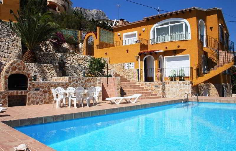 Calpe villas privadas con piscina 3000 en calpe trabber for Piscinas calpe