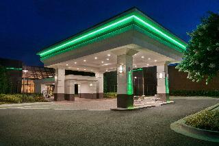 Holiday Inn Dulles International Airport