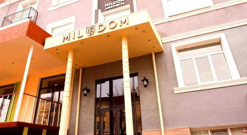 Mildom Apartments