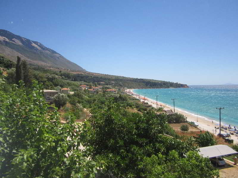Rosa's •Beach Studios• on Lourdas Beach, Kefalonia