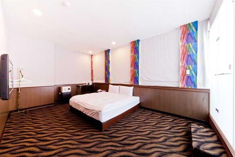 Design ximen hotel hotel en taipei viajes el corte ingl s for Design ximen hotel ximending