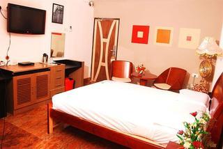 The Retreat Hotel