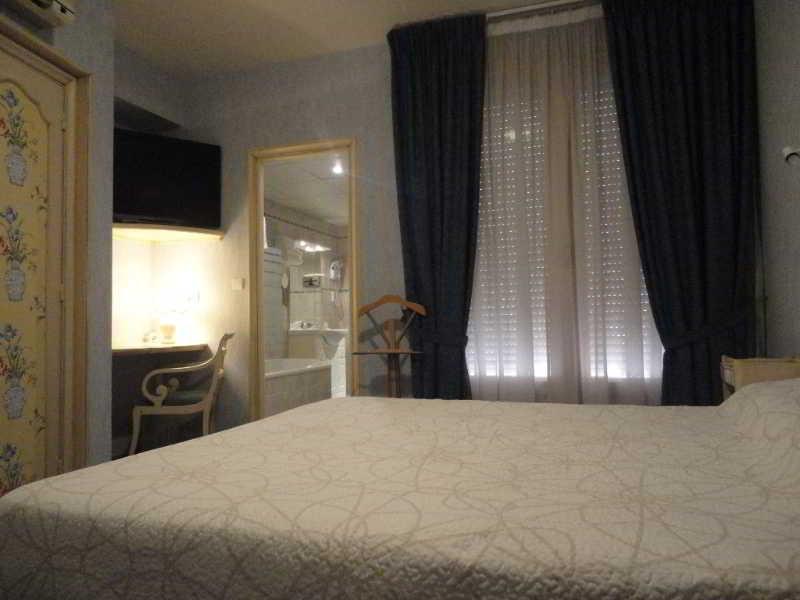 Hotels In Albi