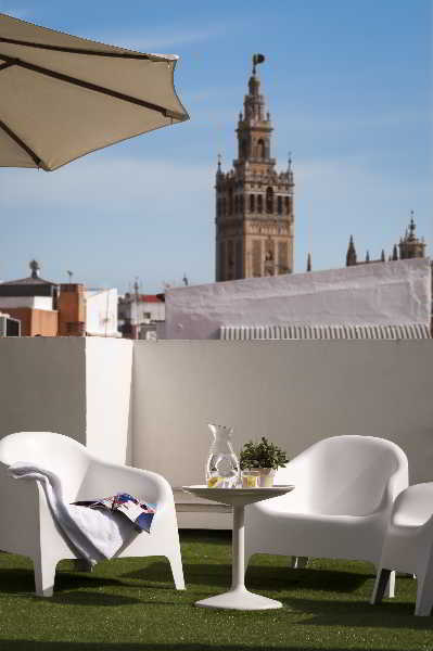 Apartamento suites sevilla plaza em sevilha desde 75 rumbo for Suites sevilla plaza