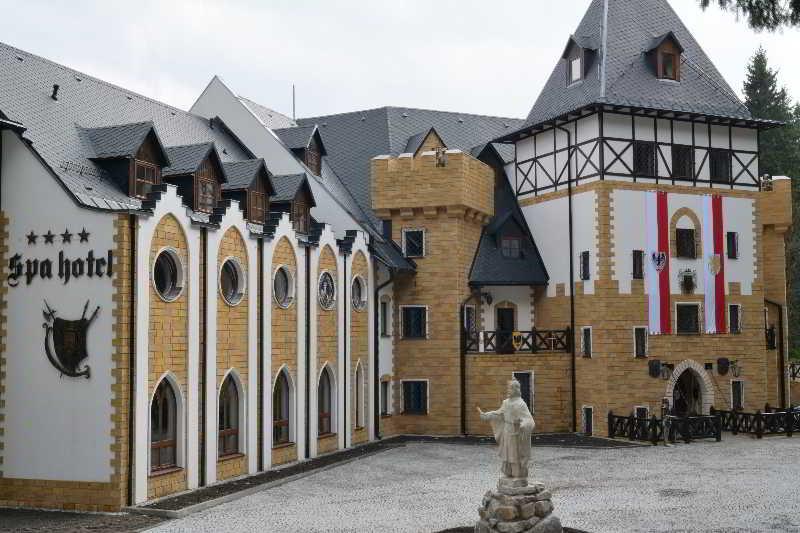 SPA Hotel Zamek Luzec