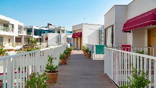 Ladies Beach Residence Hotel