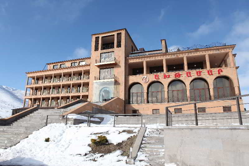 Hoteles en arzakan viajes olympia madrid for Hoteles especiales madrid