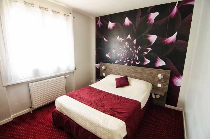 inter hotel lyon est dau ly. Black Bedroom Furniture Sets. Home Design Ideas