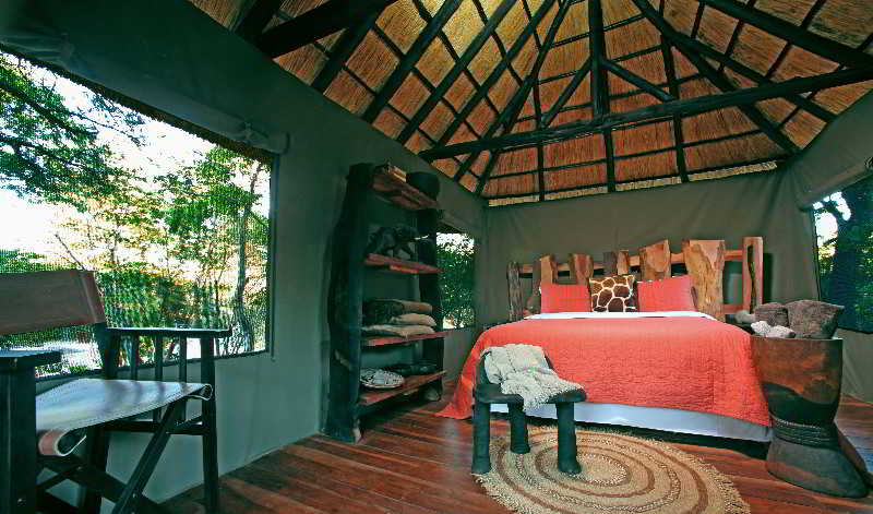 Inn Gwango Elephant Lodge
