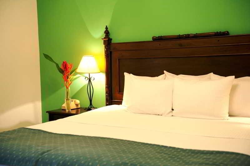 Boutique hotel la gran francia hotel granada for Best boutique hotels granada