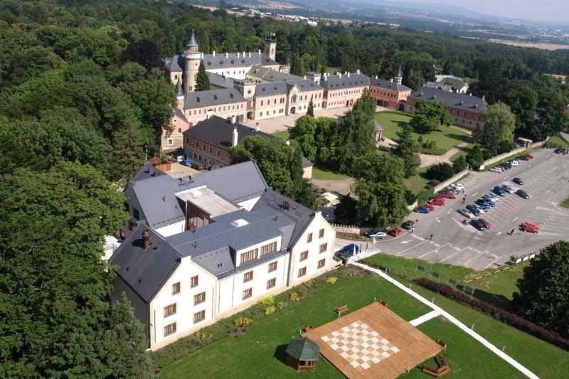 EA Chateau Hotel Sychrov