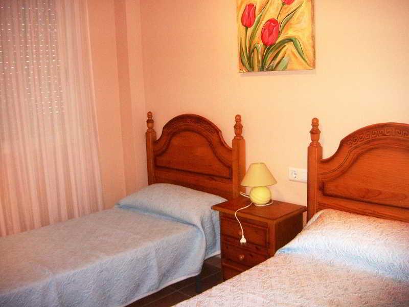 Viajes Ibiza - Apartamentos Marinas Denia 3000