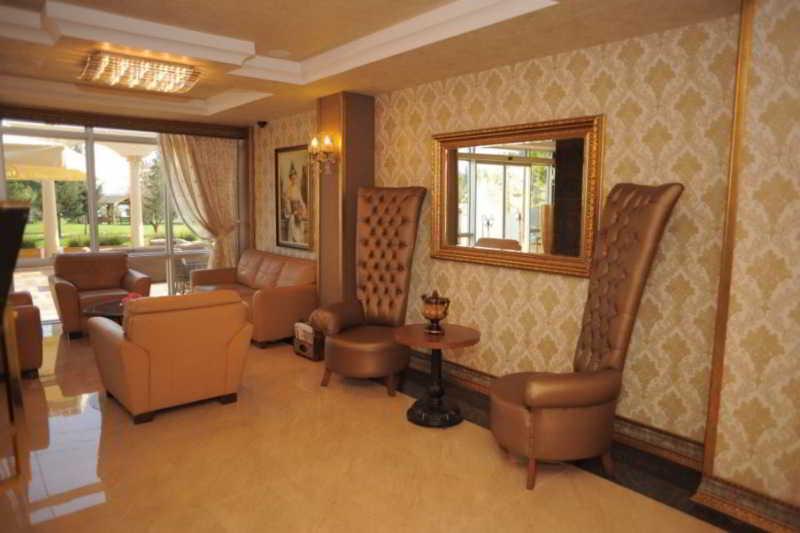Trovalia Golden Lake Hotel