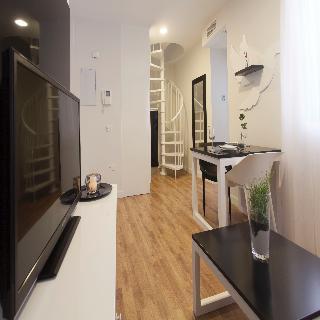 Apartamentos picasso suites m laga for Apartamentos plaza picasso