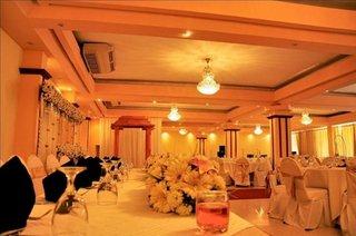 Oak-Ray Regency Hotel