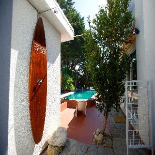 Carcavelos Surf House