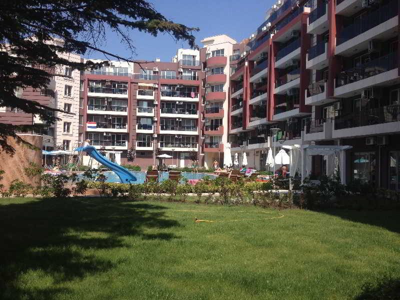 Persey Admiral Plaza Apartments