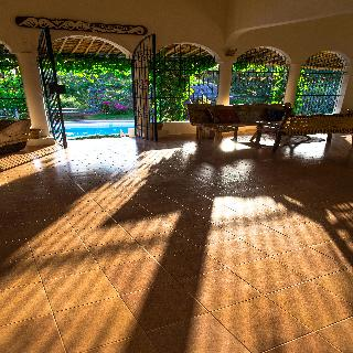 Viajes Ibiza - Distant Relatives Ecolodge & Backpackers