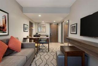 Embassy Suites Chicago-Naperville, IL