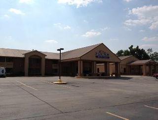 Baymont Inn & Suites Marshall TX