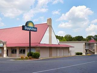 Days Inn by Wyndham Lumberton