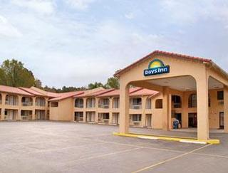 Days Inn by Wyndham Ruidoso Downs