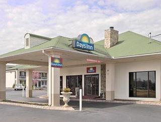 Days Inn by Wyndham Lenoir City
