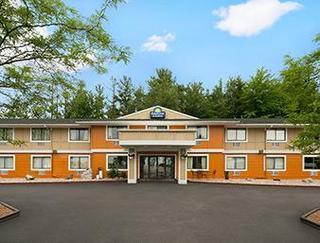 Days Inn & Suites by Wyndham Stevens Point