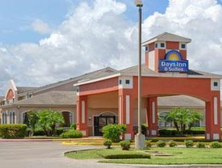 Days Inn &Suites by Wyndham Corpus Christi Central