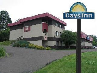 Days Inn by Wyndham Duluth Lakewalk