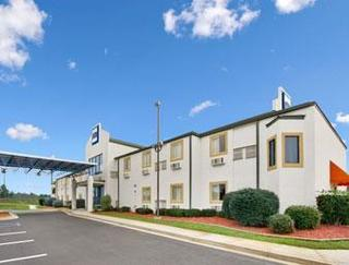 Howard Johnson by Wyndham Tifton
