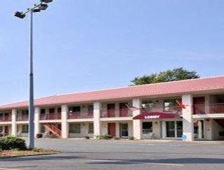 奧斯威戈東騎士汽車旅館
