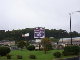 Knights Inn Collinsville