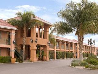 Merced inn & suites