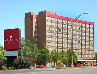 奧爾巴尼華美達廣場酒店