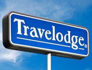 Travelodge by Wyndham Waukegan Gurnee